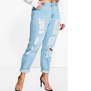Plus Boohoo mom jeans